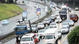 Traffic meltdown at the Glenhove off ramp leading out og Johannesburg. Johannesburg woke up to a heavy downpour of rain this morning causing isolated incidents of traffic congestion. Picture: Antoine de Ras, 31/01/2014