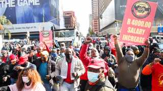 Tshwane workers affiliated to the SA Municipal Workers Union march to Tshwane House demanding a salary increase. Picture: Jacques Naude African News Agency (ANA)