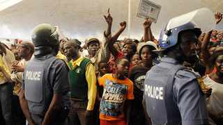 Vuwani residents remonstrate as they wait for President Jacob Zuma to address them on the controversial issue of demarcation. Picture: Matthews Baloyi/ANA Pictures