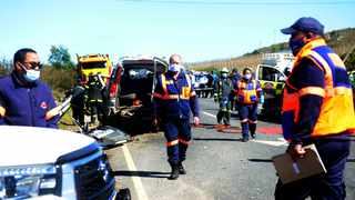 Western Cape emergency services at the scene of a vehicle accident along the R321 heading to the Theewaterskloof Dam in Villiersdorp in which eight people have died. Picture: Ayanda Ndamane/African News Agency(ANA)