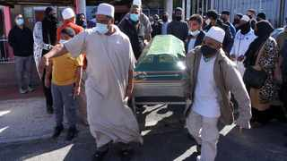 Westridge, Mitchells Plain. Family and friends pay their last respects at the Janazah of Moegamat Cassiem, a former Argus employee and well-known ice-cream vendor, who died this morning after a long illness. Video/Photo: Ian Landsberg/African News Agency (ANA).