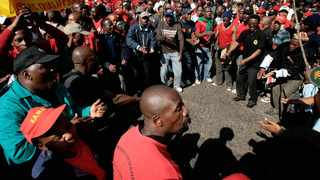 Workers stand to lose benefits, even with 1.5% increase, writes Willem Phungula. File Picture: Werner Beukes/SAPA