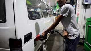 Cosatu called on the government to release its research into a possible cap on the fuel price. Picture: Motshwari Mofokeng/African News Agency(ANA)