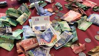Last year, South Africans spent in the region of R2.9 billion on Black Friday, with double the takings of an ordinary trading day. Photo: Ian Landsberg/African News Agency (ANA)