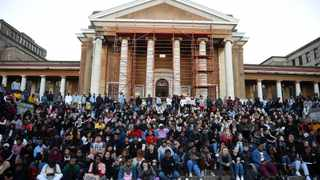 More than 200 UCT students gather in front of the Saartjie Baartman Hall to pay tribute to murdered student Uyinene Mrwetyana. Picture: Phando/Jikelo/African News Agency(ANA)