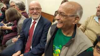 Former tourism minister and ANC NEC member Derek Hanekom, with anti-apartheid stalwart and ANC veteran Sunny Singh, at the Durban High Court. Picture: African News Agency/ANA.