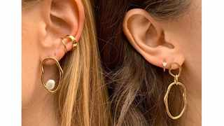 Mismatched earrings are one of the biggest accessories trends for 2019. Picture: Instagram/ couverture