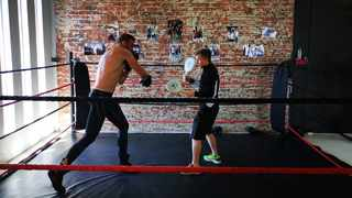 The giant that is Tian Fick during a session with his coach Matt Leisching at MadFit gym. Photo: MzansiMMA