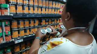 The price of foods in the supermarket trollies of families living on low incomes increased 7.8 percent (R250) between March and May 2020., the two months of lockdown so far.  Picture: Chanelle Lutchman/ The Post