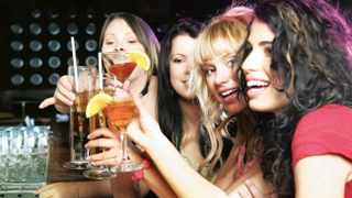 According to research, It seems that it is  women who are more likely to be fooled by their beer goggles.