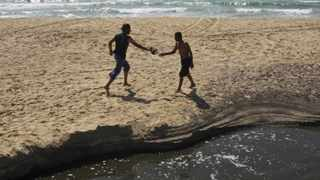 South Africa had 3000km of coastline, with hundreds of beaches set aside for the publics enjoyment and recreation.