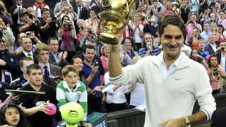 Former champion Pete Sampras saluted Roger Federer surpassing his mark of 286 weeks at the top of the men's rankings.
