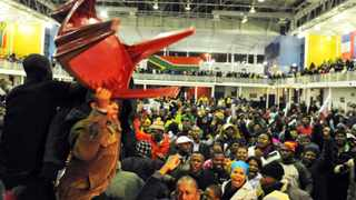 Khayelitsha residents vent their anger at mayor Patricia De Lille during a meeting at OR Tambo hall. Photo: David Ritchie