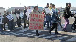 Cape Town. 180812. Parents and residents of Bridgetown in Athlone protesting againts the proposed closure of the Peak View Secondary School. Picture Leon Lestrade. Story Bianca