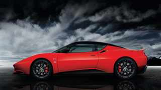 This is the sportiest version of the Lotus Evora you cvan buy for the street.