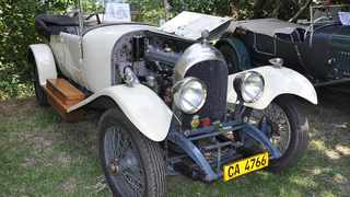 Not all Bentleys were British Racing Green. Stuart Maxwells 1922 Three-Litre tourer is resplendent in period ivory cellulose finish.