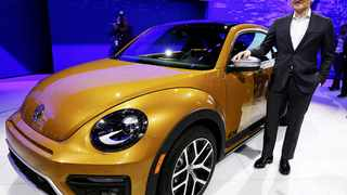 Michael Horn, President and CEO of Volkswagen America, introduces the new Beetle Dune at the LA Auto Show in Los Angeles, California, United States November 18, 2015. REUTERS/Lucy Nicholson
