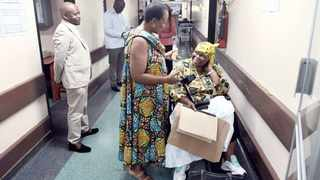 MEC for Health Dr Gwen Ramokgopa speaks to a patient during her unannounced visit to Kalafong Hospital in Atteridgeville.     Oupa Mokoena African News Agency (ANA)
