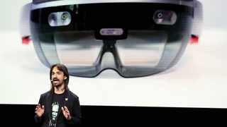 Microsoft's Alex Kipman presents the HoloLens 2 augmented reality headset before the Mobile World Congress in Barcelona. Microsoft has landed a contract to supply the US military with the device.      REUTERS African News Agency (ANA)