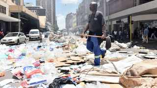 A file picture of Tshwane workers demonstrating on the streets while salary adjustment talks were taking place.     Oupa Mokoena African News Agency (ANA)