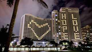 THE Southern Sun Elangeni and Maharani Hotel was lit up this week with a message of hope and love.     Wayne Smith