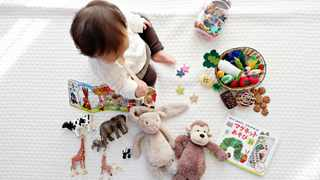 If your little one has the flu, they can spread it in the whole house with toys. Picture: Pexels / Shirota Yuri