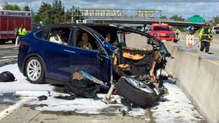 The scene where a Tesla Model X crashed into a barrier on US Highway 101 in Mountain View, California. Picture: KTVU-TV via AP.
