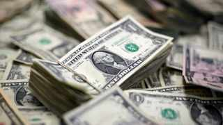 Some investors are worried the US response to the coronavirus pandemic is dealing a body blow to the dollar. Photo: File