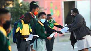 A social media survey revealed that 53% of adults believe schools should not reopen on January 27, until the country recovers from the second wave of the coronavirus pandemic. Photographer: Phando Jikelo/African News Agency(ANA)