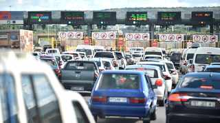 Traffic volumes increased on the N1 north of Pretoria as people started to return to the city and other parts of Gauteng. Picture: Thobile Mathonsi African News Agency (ANA)