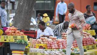 SOUTH AFRICA - Cape Town - 25 March 2020. People are buying fresh produce from street vendors in Kraaifontein. Picture Henk Kruger/African News Agency (ANA)(SAGDP)