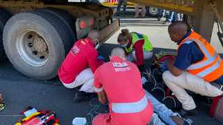 Three people were killed and about 27 injured in a two-vehicle crash on the N2 in KZN. Picture: IPSS Medical Rescue