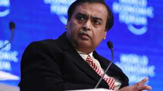 Indian billionaire Mukesh Ambani's Reliance Industries is offering to sell a roughly $20 billion (R334.67 billion) stake in its retail business to Amazon.com, according to a person with knowledge of the matter. Photographer: Simon Dawson/Bloomberg