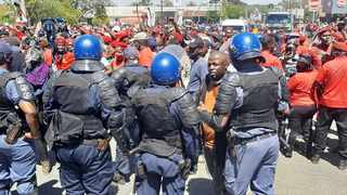 Police and EFF members in Senekal. Picture: Oupa Mokoena/African News Agency (ANA)