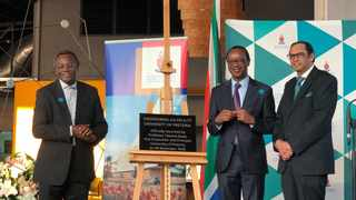 Themba Mhambi, chairman of the board of Sanral, vice-chancellor and principal at the University of Pretoria Professor Tawana Kupe, and Professor Sunil Maharaj, dean of the Faculty of Engineering, Built Environment and IT at the institution. Jacques Naude/African News Agency (ANA)