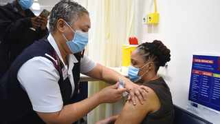 A nurse at Tygerberg Hospital inoculates a frontline healthcare worker with the Johnson & Johnson Covid-19 vaccine. Picture: Phando Jikelo/African News Agency (ANA)