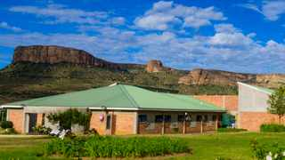 The Qwaqwa Campus is in one of the most biologically diverse areas and includes more than 600km of mountain range.