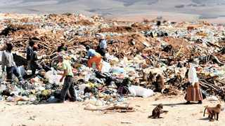 The waste dump site at Caledon in the Western Cape. In South Africa, about 30% of all food produced is lost or wasted. Picture: Tracey Adams/African News Agency (ANA)/Archive