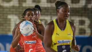 It was a tug of war at the 2020 Telkom Netball League on Friday as the Mpumalanga Sunbirds beat the Eastern Cape Aloes. Photo: @Netball_SA on twitter