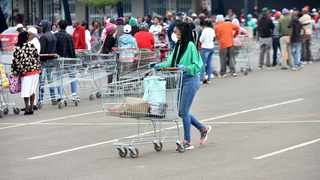 Shoppers queue at the Jabulani mall in Soweto. Picture: Itumeleng English/African News Agency(ANA)