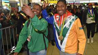Caster Semenya poses for a selfie with a fan. Picture: Antoine de Ras/African News Agency (ANA)