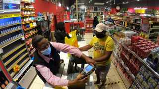 Liquor traders are petitioning President Cyril Ramaphosa to permit the sale of alcohol over weekends. Picture: Motshwari Mofokeng/African News Agency(ANA)