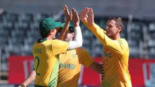 South Africa's George Linde clebrates with teammates after picing up the wicket of Pakistan's Mohammad Rizwan during the second T20 International at Wanderers Stadium in Johannesburg on Monday. Photo: Samuel Shivambu/BackpagePix