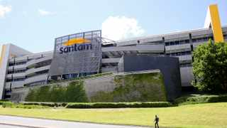 IN AN EXTRAORDINARY legal move, South Africa's largest insurer has effectively called for the postponement of what is expected to be a precedent-setting Supreme Court of Appeal (SCA) battle on Monday to determine whether insurers are liable to pay out businesses for losses due to the Covid-19 lockdown, so that it can join the appeal application. Picture Leon Lestrade. African News Agency/ANA.