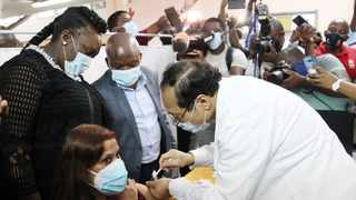The much anticipated Covid-19 vaccine arrived at Prince Mshiyeni Memorial Hospital on Thursday morning. KwaZulu Natal Premier Sihle Zikalala and Health MEC Nomagugu Simelane oversaw Dr Aung Myint vaccinating the first KZN recepient, Dr Nerika Maharaj from the hospital. Picture: Doctor Ngcobo/African News Agency(ANA)