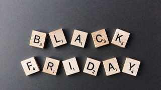 According to Picodi, South Africans spend R2,203 on Black Friday with men spending a lot more money than women during Black Friday sales: R2,518 vs R1,713. Photo: Pixabay