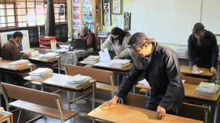 TEACHERS and support staff at Turfhall Primary School in Penlyn Estate, Lansdowne, compile curriculums as well as deep clean and sanitise classrooms in preparation for the reopening of classrooms. Tracey Adams African News Agency (ANA)