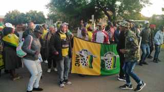 ANC supporters of Ace Magashule near the Bloemfontein Magistrate's Court. Picture: Timothy Bernard/African News Agency(ANA)