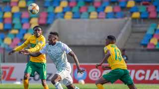 Victor Letsoalo and Ntsako Makhubela fight for the ball during the DStv Premiership match between Bloemfontein Celtic and Golden Arrows at Dr. Petrus Molemela Stadium on Saturday. Photo: Frikkie Kapp/BackpagePix
