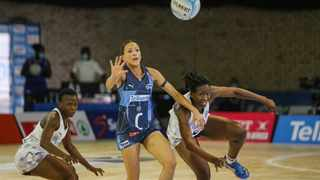The Western Cape Stings and the KZN Stars in action on Thursday night. Photo: @Netball_SA on twitter